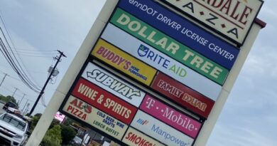 Summerdale Plaza sign
